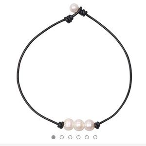 Jewelry - 3 Peal Choker Necklace